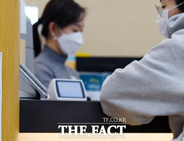 '금소법' 계도기간 끝났다…은행 창구선 소비자 불편 잇따라