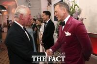 영국 왕실 가족도 참석한 '007 노 타임 투 다이' 시사회 [TF사진관]