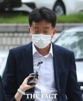 '도이치모터스 주가 조작 혐의' 김 모씨 영장심사 출석 [포토]