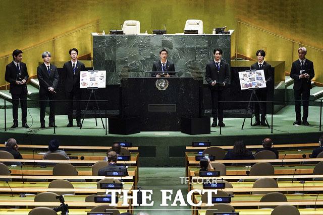BTS가 지난달 20일 오전 8시(현지시간) 미래세대와 문화를 위한 대통령 특별사절 자격으로 제76차 유엔총회에 참석해 미래세대의 생각과 이야기를 전 세계에 전달하는 모습. /청와대 제공