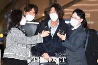 취재진에 둘러싸인 '대장동 키맨' 남욱 변호사 [포토]