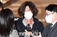 귀국 후 검찰에 체포된 '대장동 키맨' 남욱 변호사 [TF사진관]