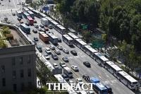 시청부터 광화문까지 설치된 경찰 버스 차벽 [포토]