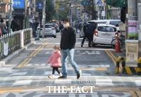 '벌금 12만 원 입니다!'…오늘부터 어린이보호구역 주·정차 전면 금지 [TF사진관]
