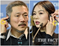 [TF포토] '커플 인증?'…약지에 반지 낀 홍상수와 김민희