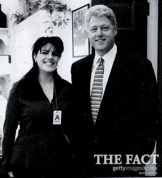 미하원이 증거로 제출한 클린턴과 르윈스키가 백악관에서 찍은 사진. /게티이미지코리아