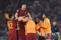 [챔피언스리그] 바르셀로나와 8강 경기로 본 '로마의 기적' 핵심은 스리백