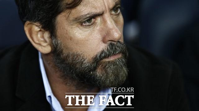 키케 플로레스, 한국 감독직 유력 후보. 스페인 출신 키케 플로레스 감독이 대한축구협회로부터 국가대표팀 사령탑 제의를 받으며 그에 대한 관심이 높아지고 있다. /바르셀로나(스페인)=AP.뉴시스