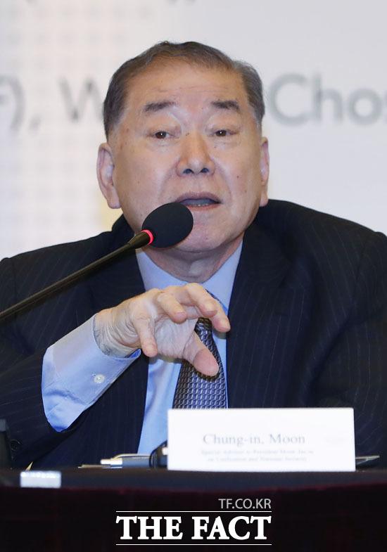 문정인 대통령 통일외교안보특보가 북한이 비핵화협상 대화테이블에 나와야한다고 촉구했다. 문 특보가 기조연설을 하고 있는 모습. /뉴시스