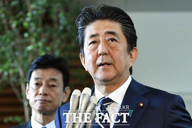 아베 총리는 그동안 김정은 북한 국무위원장과 정상회담을 강조해 왔다. 아베 총리가 기자회견을 하는 모습. /AP.뉴시스