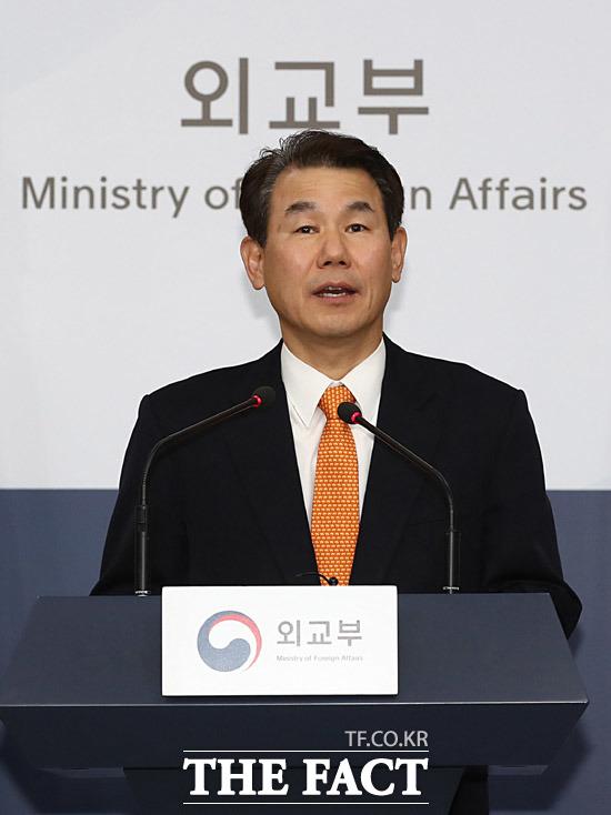 정은보 한·미 방위비분담 협상대표가 19일 오후 서울 종로구 외교부 브리핑룸에서 제11차 한·미 방위비분담금특별협정(SMA) 제3차 회의 관련 브리핑을 하고 있다. /뉴시스