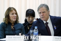 美 법원, 웜비어 유족에 북한 자산 공개하기로