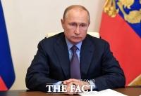 푸틴이 또?…정적 나발니, '차' 마신 뒤 의식불명