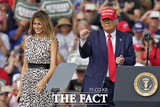 재선에 도전하는 도널드 트럼프 미국 대통령의 선거 유세가 3만 명 이상의 신종 코로나바이러스 감염증 신규 확진자를 발생시켰다는 연구 결과가 나왔다. /탬파=AP.뉴시스