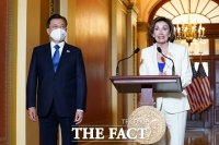文대통령, 美 하원 지도부와 만나 '대북 정책·백신' 협조 당부
