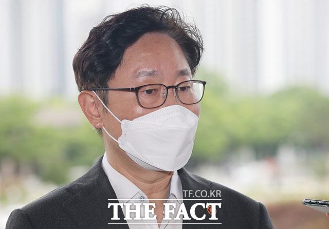 박범계 법무부 장관은 검찰 조직개편안과 중간간부 인사의 가닥이 어느 정도 잡혀간다고 17일 밝혔다. /뉴시스