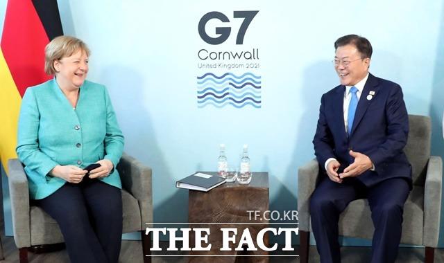 文대통령, 獨 메르켈 총리와 정상회담…'백신·대북 정책' 협력 논의