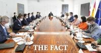 문 대통령, 스페인 총리와 정상회담…양국 '전략적 동반자 관계' 격상