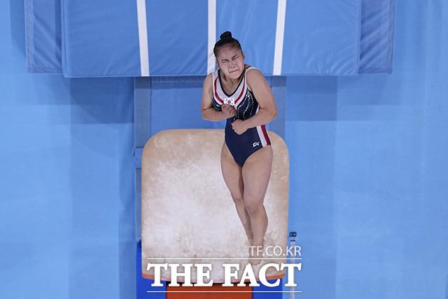 대한민국 기계체조 여서정이 1일 일본 도쿄 아리아케 체조경기장에서 열린 2020 도쿄올림픽 여자 도마 결승에서 연기를 펼치고 있다. /도쿄=AP.뉴시스